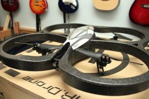 AR.Drone故障時の修理費用はどのくらいが目安?