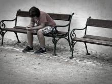 携帯が壊れて連絡が取れない時はどうするべき?