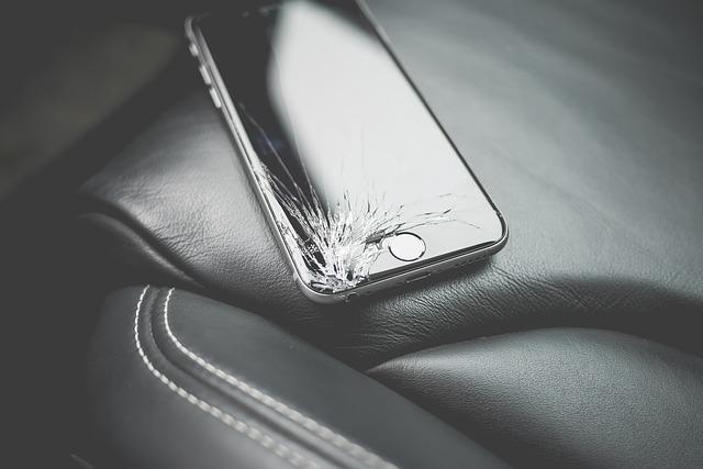 iPhoneの割れパネルの買取!ガラス破損でも適正価格で査定