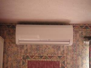 エアコンの掃除はエアコンクリーニング専門業者がおすすめ!