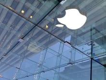 iPhone8は全て有機ELになり画面割れの故障などの民間修理が出来なくなるかも