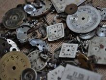 腕時計の日付がずれる原因とは?正しい調整方法と修理費用の目安