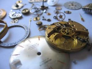 腕時計のオーバーホールの値段は?相場や必要性・頻度を徹底解説