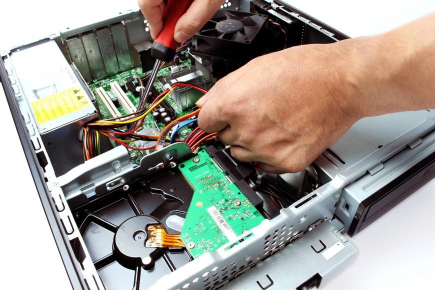 パソコンはどこで修理すればいい?