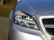 自動車のヘッドライト、ウインカーの取り付け・修理の費用相場