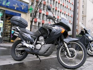 バイクタンク故障時の修理費用はいくらが目安?