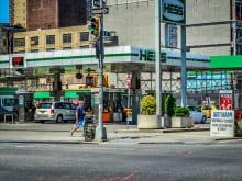 自動車のバッテリー充電をガソリンスタンドでしてもらう方法・費用の目安