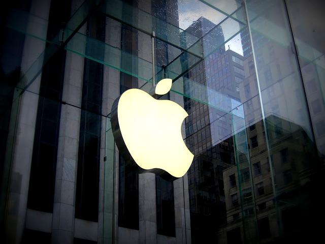 iPhoneが水没!アップルストアの修理料金はどのくらい?