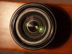 カメラのレンズにホコリ・キズがある悲劇的な場合の修理と対処法