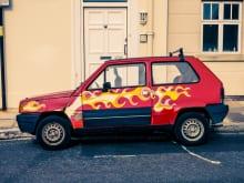 自動車塗装の方法は?費用・料金の目安はどのくらいかかるの?