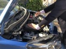 車のラジエーター交換はいつ?寿命や故障の原因も併せて解説