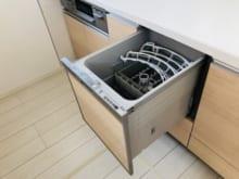 家の食洗機が壊れた!故障の原因や対処法・修理費用などを解説
