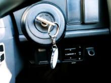 車の鍵を閉じ込める原因は?自分でできる対処法も紹介