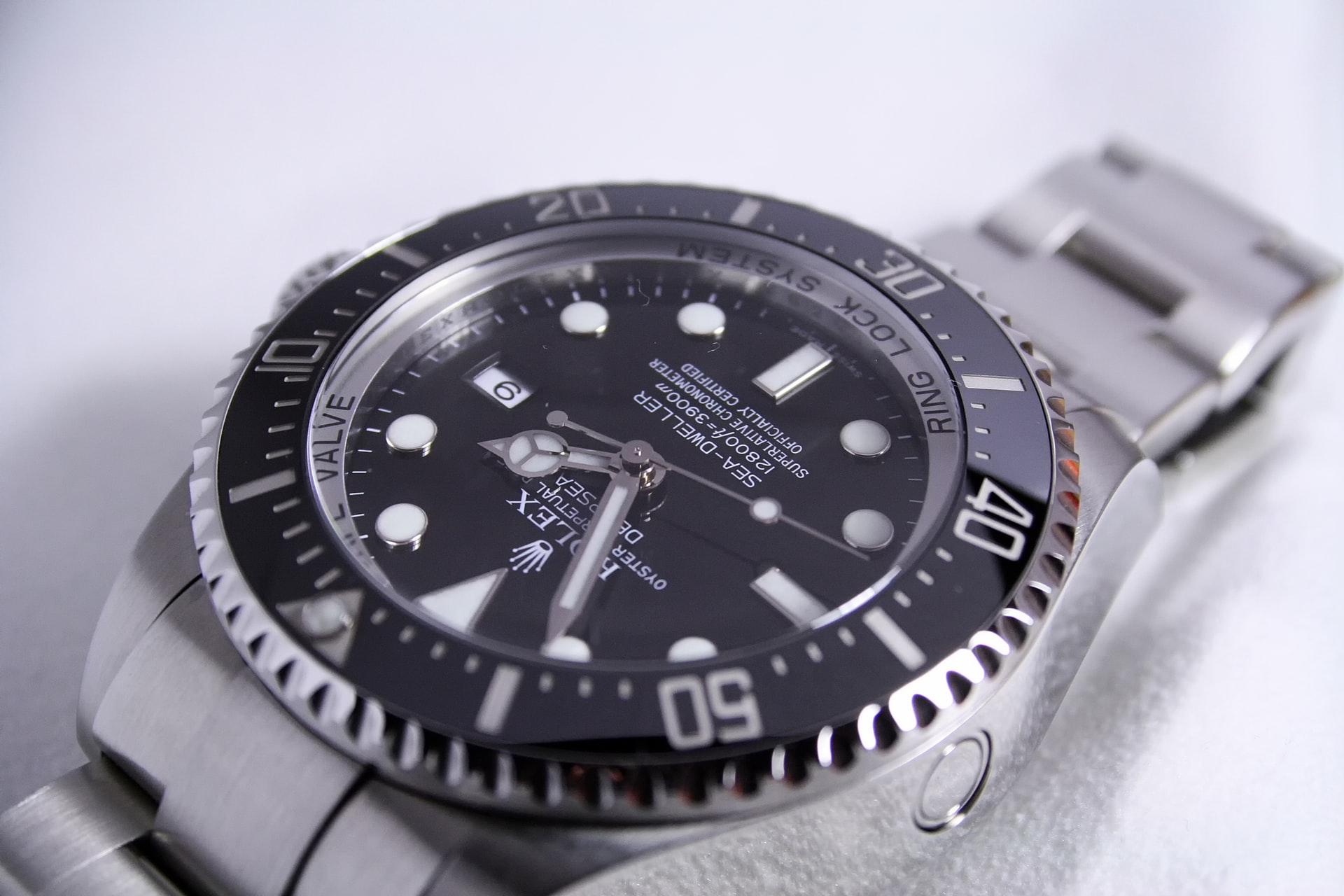 腕時計ロレックスのオーバーホール適正頻度は?相場とおすすめ修理店も紹介