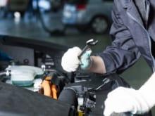 車の法定点検に行かないリスクとは?日常点検の項目や業者選びも解説