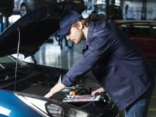 車検で警告灯はチェックされる?警告灯の種類や検査項目なども解説