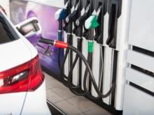 ガソリンスタンドの使い方は?形式ごとの使い方・注意点を解説