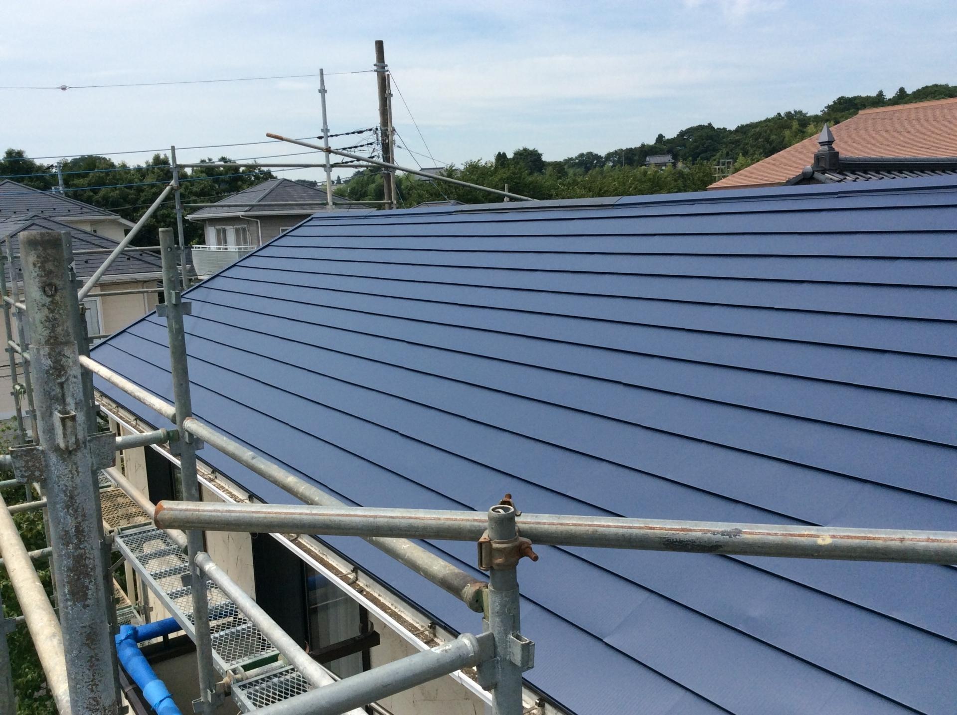 気になる屋根の工事方法は?トラブル解決の相場や業者の選び方を紹介