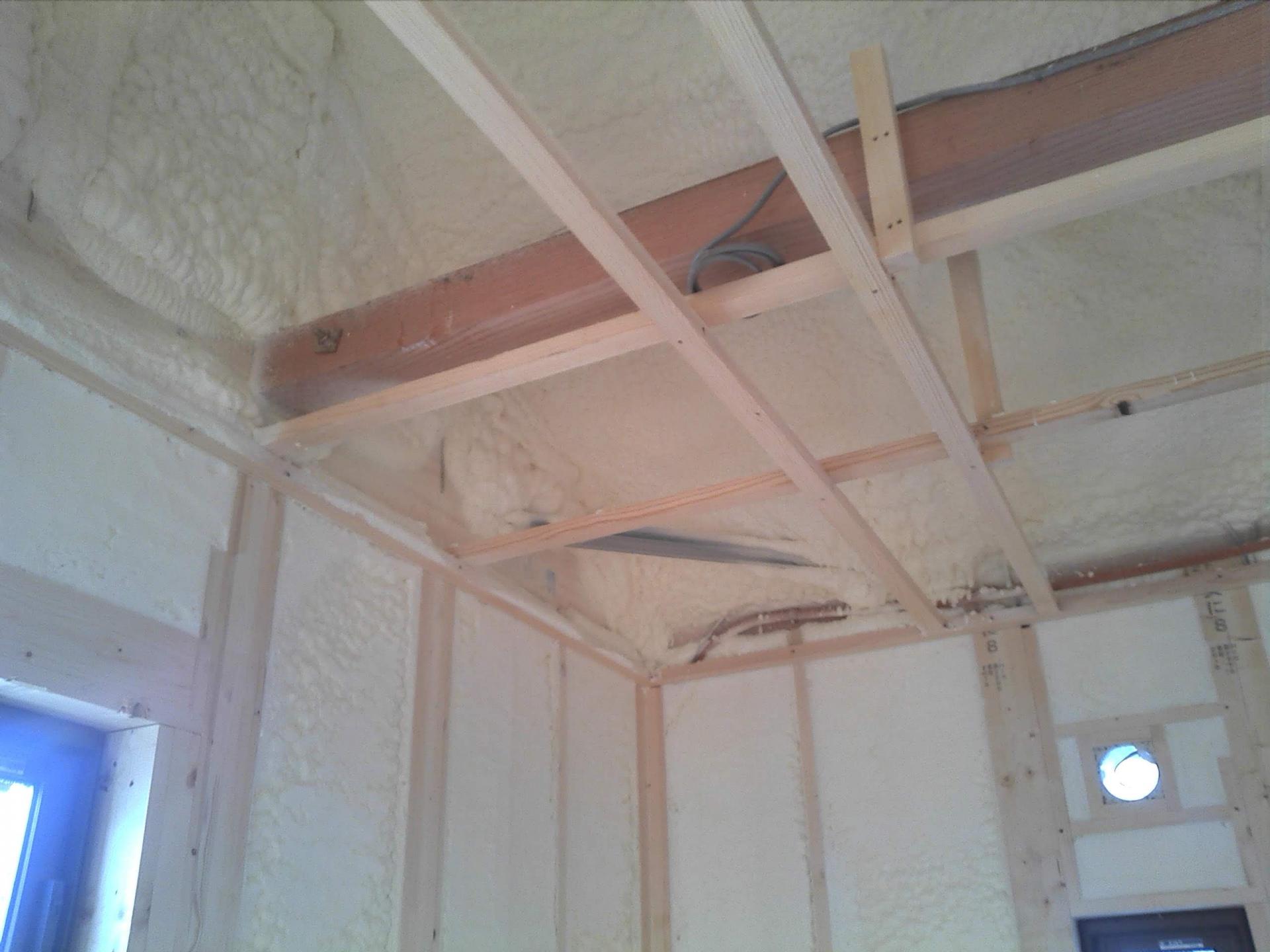 暑さ対策には屋根の断熱が効果的!快適な家になる工事方法を解説