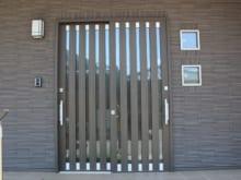 玄関の引き戸を修理する方法!自力修理のコツや費用相場について解説