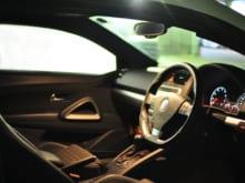 車の窓が開かないときの原因と対処法、修理費用はどのぐらい?