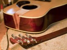 ギターのネックが折れる原因と予防法、そして折れた時の対処法