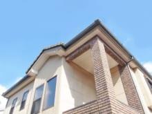 屋根の破風板とは?役割や修理・交換のタイミングを解説します