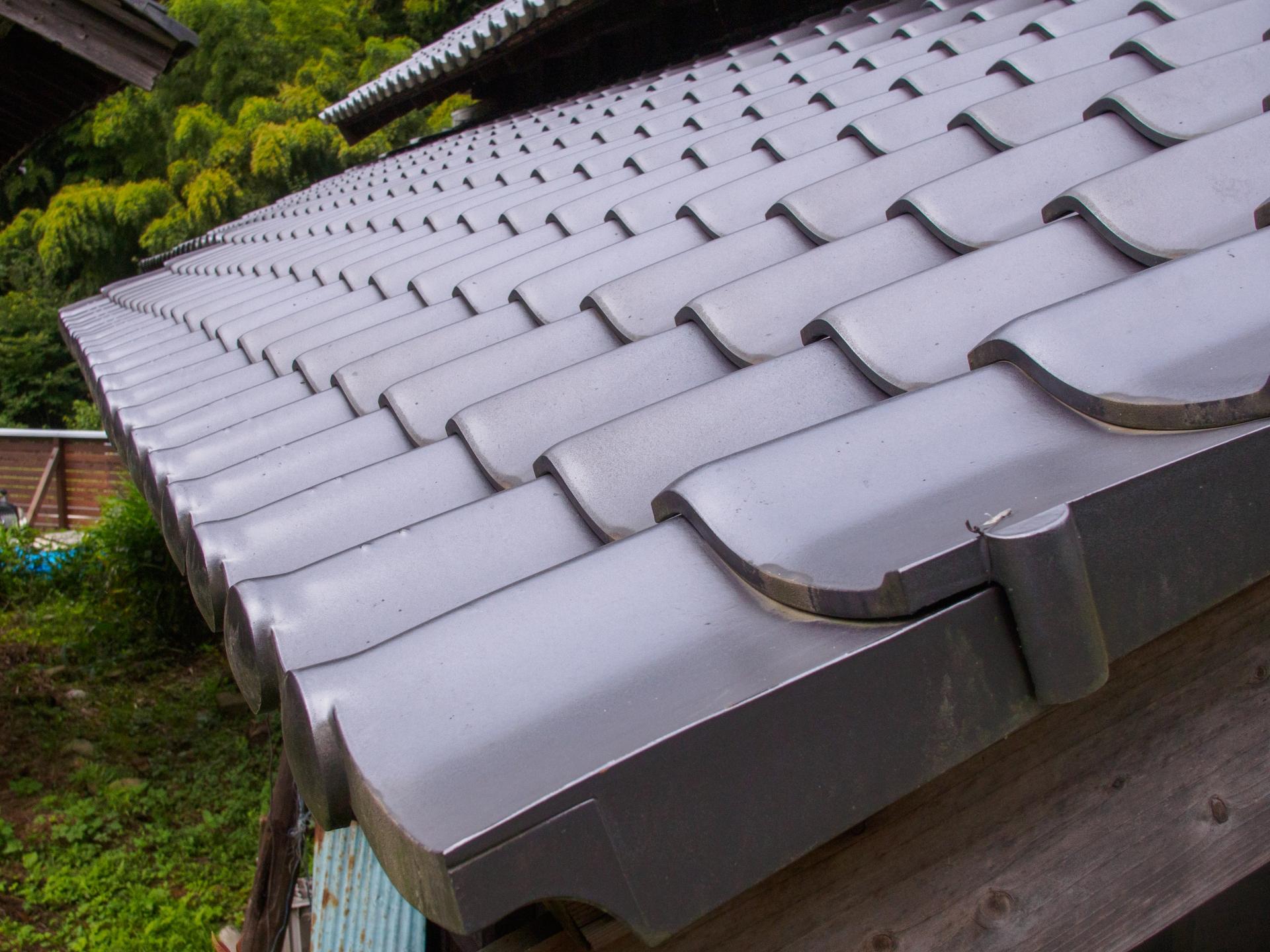 屋根の張り替え工事とは?張り替え費用や屋根材の種類についても解説