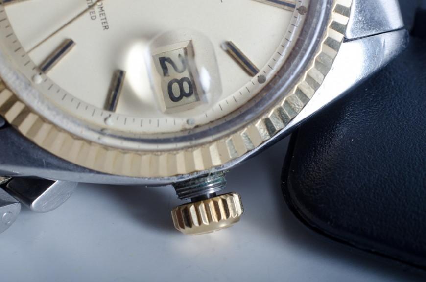 腕時計_ネジ