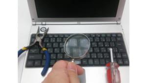 【各社料金表掲載】パソコン修理の費用相場をチェック!メーカー修理と修理屋さんを比較検討