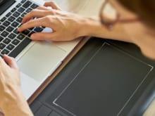 パソコンで文字化けが起こる理由はなに?メール、WEBサイト、アプリ別に解説!