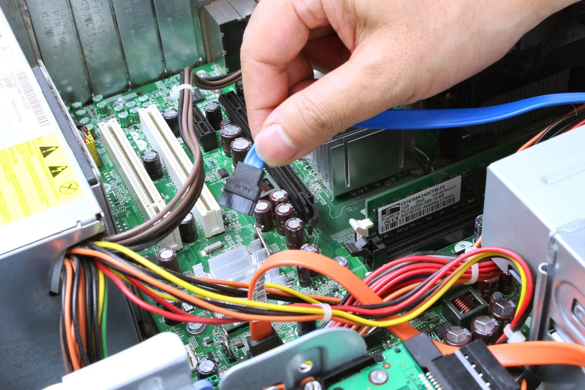 パソコン修理のおすすめはどこ?5店舗比較と優良店の6つの基準