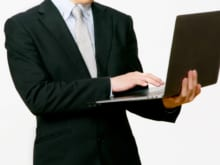 パソコン修理は持ち込みがおすすめ!依頼手順や業者の選び方を解説