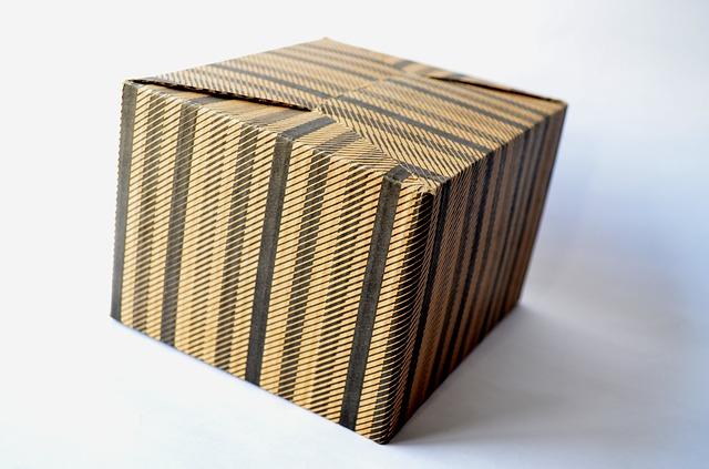 cardboard-box-389934_640